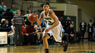 UND keeps rolling, downs WSU for sixth straight win