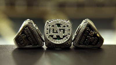 Men's hockey receives national championship rings