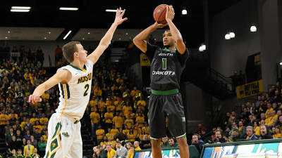 Game Notes: UND remains on road to face UNI